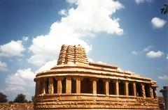 At Aihole (chitralekhan) Tags: india karnataka aihole hampi ancient primitive temple sculpture travel pattadakal architecture badami