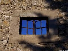 Eye to the sky (_Marcel_) Tags: harz germany walkenried kloster monastery window fenster bricks top20fav