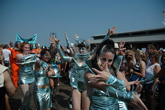 Mermaid Parade: Mir Maids (LarimdaME) Tags: nyc mermaidparade coneyisland parade mirmaids mermaids dancedance dance space glamtastic hot hotness icantcomeupwithanymoretagsthatsufficientlyexpresshowhotthispictureis outofthisworld