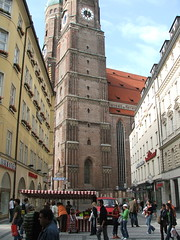 Frauenkirche just off Kaufingerstrasse