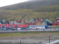 Colourful houses (kenyai) Tags: longyearbyen svalbard spitsbergen artic arctic artico circolopolareartico polonord mareartico nord norway norvegia northernmost