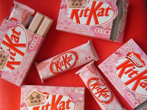 KitKat Sakura