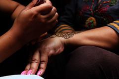 Henne (NatCau2016) Tags: femme art henne main