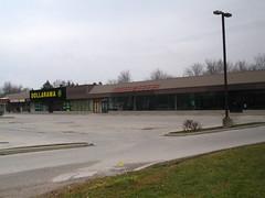 Ike's Plaza (II)