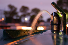 Urban waterfall (ezbraun) Tags: park longexposure fountain evening drinking lincoln alameda