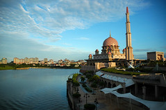 Putrajaya Mosque (Azizul Ameir) Tags: morning cloud lake building water architecture d70s putrajayamosque
