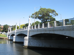 Hoddle Bridge
