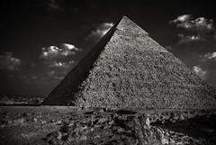 Pyramid in Black and White (Foto Blitz Color) Tags: travel blackandwhite bw sand nikon desert egypt cairo granite limestone burial lookatme pyramids d200 giza hdr khafre chephren payitforward photomatix 5photosaday 5exp khafrespyramid