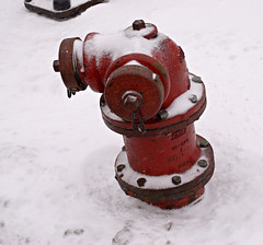 Simple Reds (swanksalot) Tags: snow chicago us il firehydrant swanksalot sethanderson