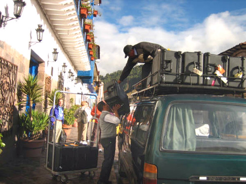 Unloading boxes in cusco