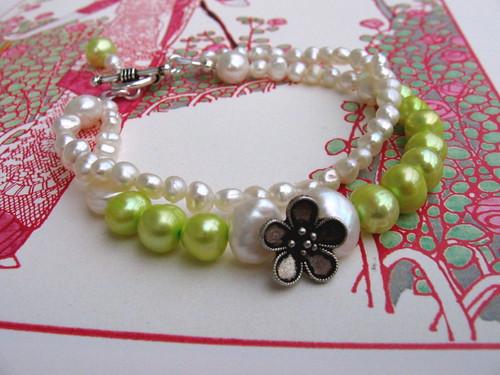 Pearly bracelet