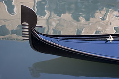 (scaramuzzino) Tags: blue venice italy building water river mirror boat reflex barca italia blu fiume mirrors palace gondola laguna acqua palazzo carnevale venezia riflessi palaces 2007 specchio città palazzi riflesso antonioscaramuzzino