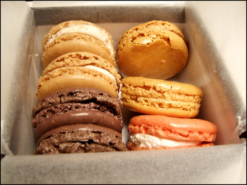 ChuckEats » Pierre Herme vs Laduree (Paris) – Macaroon Might