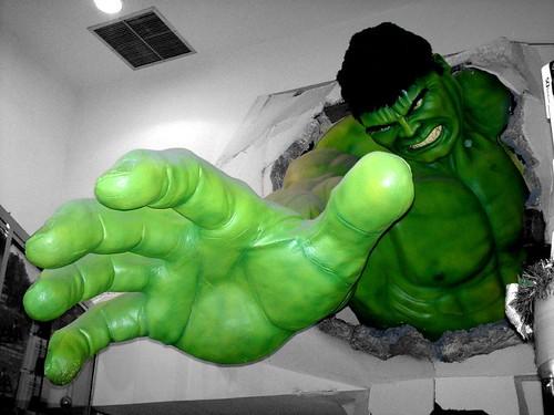 angry hulk throwing rocks - photo #5