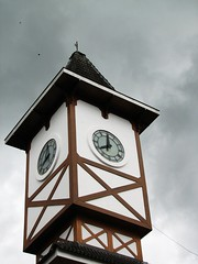 The Tower (Daniel Pascoal) Tags: tower clock public clouds grey torre 8 nuvens cinza camposdojordo oito 8h 8oclock danielpg 8horas trempindacampos rolgio