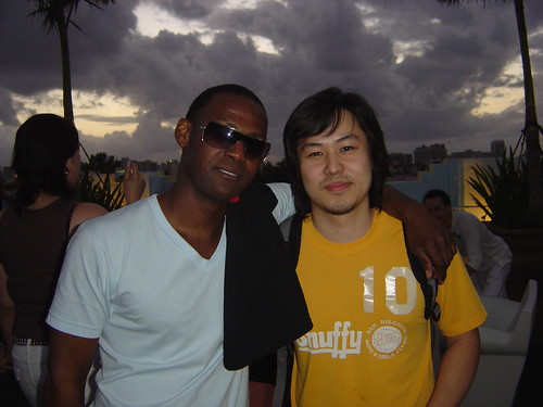 Julius the Mad Thinker (left) of 3Degrees Global with Inbum Cho (right) of Avondale Music Society. WMC 2007.