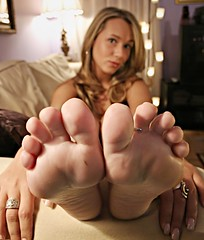 Sole Full House_0045 (Punk Dolphin) Tags: feet foot lights hands toes room femme couch crop barefoot barefeet pedicure soles toering toenails ilana colorphotoaward