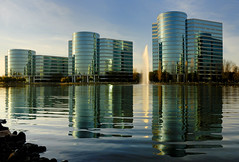 oracle ((nz)dave) Tags: california light sunset usa reflection water fountain glass america buildings golden office oracle towers kqed siliconvalley ripples redwoodcity redwoodshores dba kteh interestingness409 i500 explore6jan07