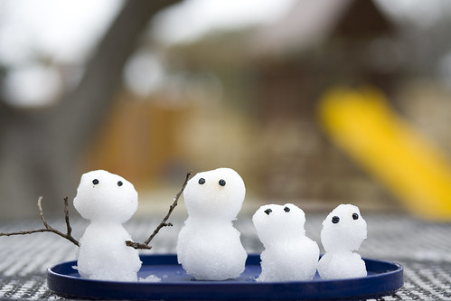 Snowman family in TX / Dai Haruki