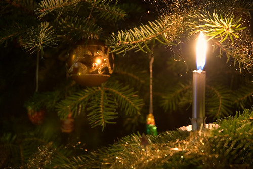 candle on the christmas tree