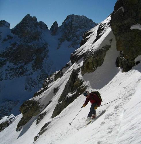 Randosteve skis chunky powder in the Chouinard.