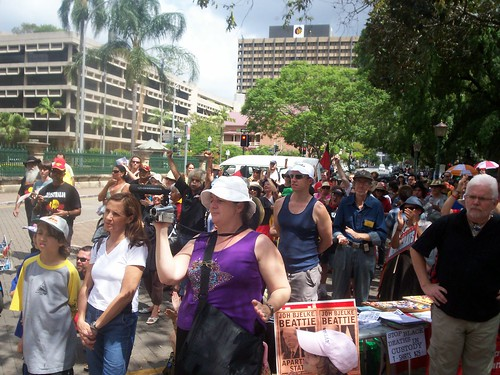 Audience - Invasion Day Rally and March, Parliament House, George St, Brisbane, Queensland, Australia 070126-5