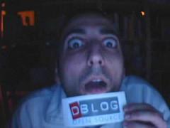 l'adesivo di Dblog appena estratto dalla busta