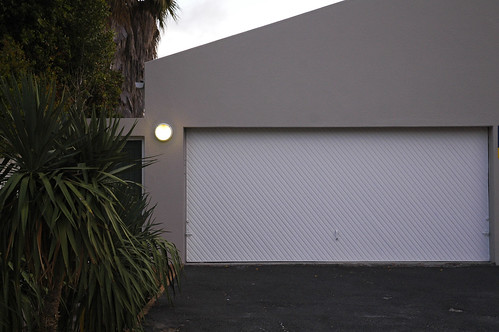 garage - light