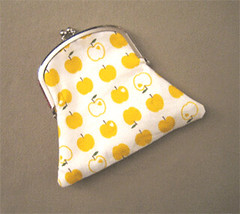 apple_purse
