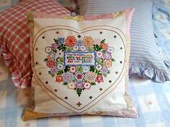 Lovely Heart-Pillow Lieblings-Herz-Kissen (*Dollily*) Tags: flowers heart blumen pillow patchwork herz kissen 50x50cm