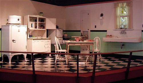 1930s kitchen appliances
