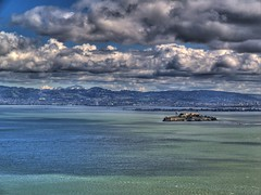 alcatraz y diablo (on2wheelz) Tags: sky water clouds lunch bay marin headlands alcatraz sfbayarea mtdiablo midday hdr marinheadlands sfbay 2007 eastbayhills ggnra photomatix tonemapping jeffav jarcher on2wheelz jeffarcher raficutter2002 raficutter jeffav2007