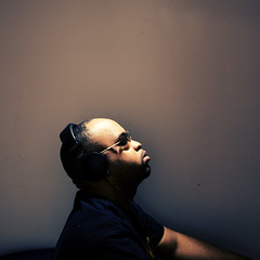 6 / 52: i <3  music (-Teddy) Tags: music me peace shades headphones 5d alienbee 2470mm 52weeks exodusphoto kossheadphones hearthebass