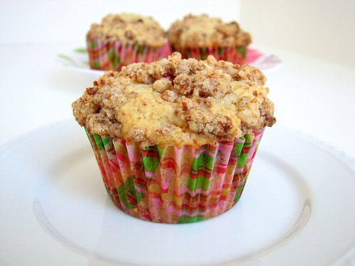 SMS Pear Cranberry Muffins w/Gingersnap Crumble