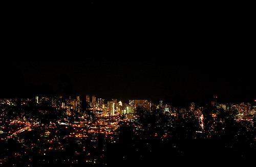 Waikiki_Night_From_Tantalus