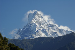 Machapuchare (6.993m) (elosoenpersona) Tags: nepal mountain trekking trek eagle himalaya montaa annapurna fishtail naturesfinest 10faves machapuchare abigfave lovenaturegroup aplusphoto diamondclassphotographer elosoenpersona