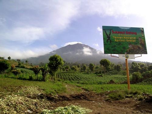 Gunung Kerinci by hshdude.
