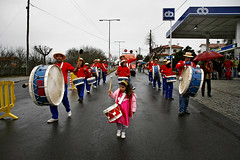 075D17698 (Paulgi) Tags: carnival people portugal rain station europe drum parade gas viseu cabanas paulgi viriato