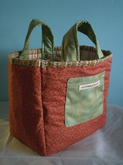 Quilted flower bag - reversed par PatchworkPottery