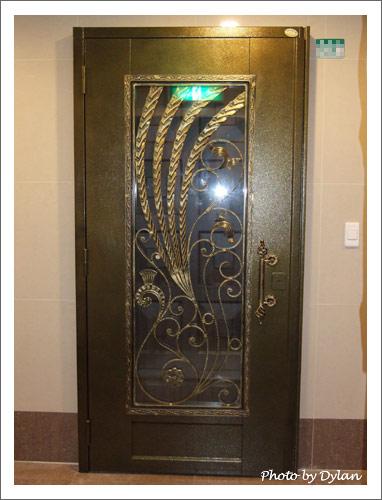 另一款類似的外玄關門