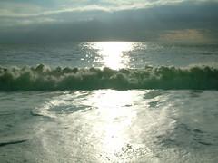 sea& sky (kama_bury) Tags: trip sea london brighton waves bank newyearsday seasky paulbart rayofthesun