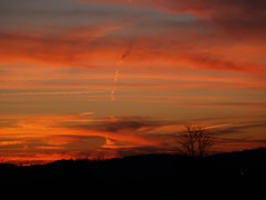 the red sky of Kentucky (JAMES HALLROBINSON) Tags: sunset red sky clouds redsky redsun