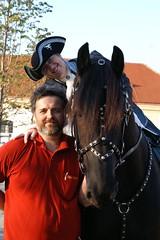 mit Hans in Schlosshof (odingabi) Tags: friese wytsefandezoomen odingabi