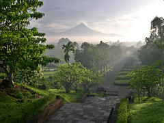Merapi from Borobudur temple (Marc-Andr Jung) Tags: travel sunrise indonesia temple java reisen nikon jung yogyakarta ria borobudur merapi vulcano marcandr 5photosaday marcandrjung