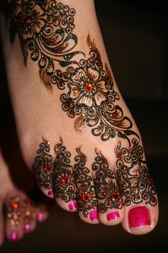 classical henna tattoo