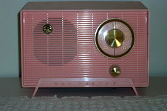 1957 Pink Nipper (I'mNotHer) Tags: pink radio vintage wow catchycolors antique plastic collections crayonbox rca nipper radios vintageelectronics fantasticplastic vanishingbeauty objectsfromthepast ilovepink radioheads views50 vintagegoodies plasticobjects retroworld tuberadiosrealradiosglowinthedark vintageretroandkitschelectronics radiohorfunk thecollectionscollective