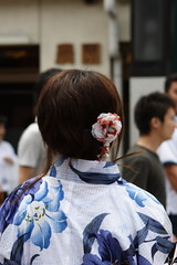 Head Flower (mrhayata) Tags: woman flower japan hair geotagged kyoto head  yukata  kimono gion    mrhayata geo:lat=350037183 geo:lon=1357762658