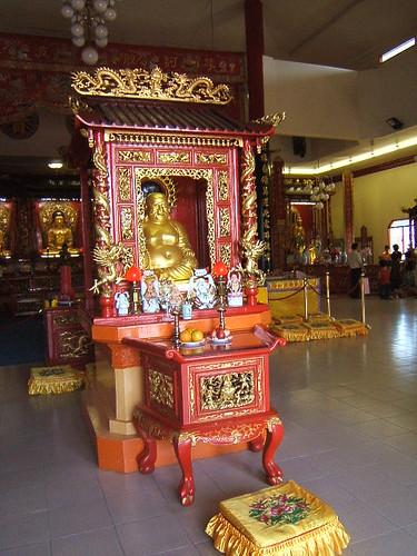 temple-happy-buddha2