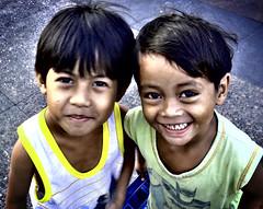 friends (jobarracuda) Tags: friends children lumix asians philippines smiles manila streetkids streetchildren pinoy bestfriends quiapo fz50 panasonicfz50 impressedbeauty jobarracuda