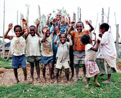 Bilimoia Kids (Mangiwau) Tags: new girls boys kids happy islands guinea jumping pacific south png joyful papuanewguinea papua hagen nouvelle seas newguinea portmoresby rabaul wau melanesia madang mudmen goroka pacifique lae guinee niugini oceanie alotau morobe papouasie papouasienouvelleguinee kainantu bilimoia agarabi nouvelleguinee